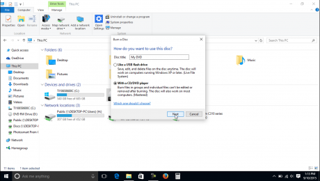 """Burn a CD or DVD in Windows 10 - Instructions: A picture of the """"Burn a disc"""" window that appears when you burn a CD or DVD in Windows 10."""