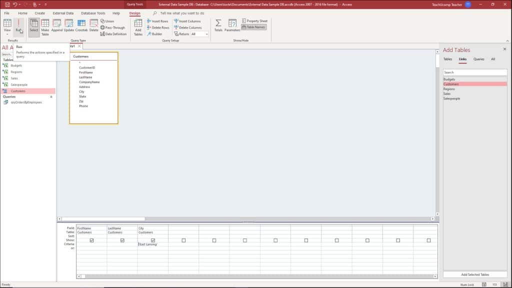 A picture showing how to run a query in Access when it is opened in query design view.